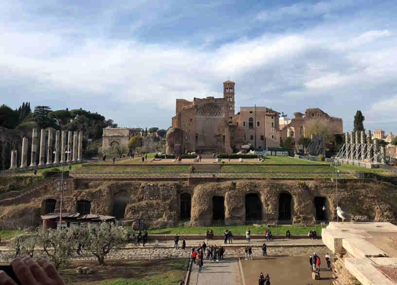 Veduta del Foro romano dal Colosseo